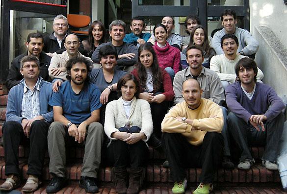 Gabriel Rabinovich y su grupo de investigación