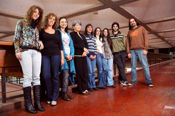María del Cármen Ríos y su grupo de investigación. Foto: Juan Pablo Vittori