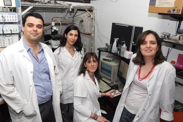 Francisco Urbano y su grupo de investigación. Foto: Juan Pablo Vittori