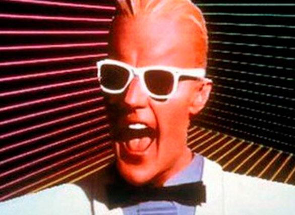 Max Headroom, el personaje de la serie de de los 80, era la versión computarizada de un periodista que tenía un fluido y a la vez extrañamente cibernético diálogo con los humanos.