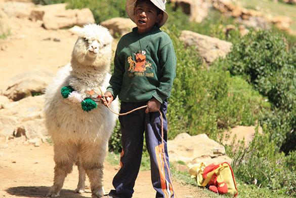 La etnozoología se refiere al conocimiento zoológico tradicional de grupos de personas que están en relación directa con los animales y viven de ese recurso natural. Foto: Rodrigo Gallegos.