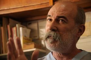 """""""El laboratorio PROZOME de la provincia de Río Negro produce un medicamento para la hidatidosis, una enfermedad endémica del sur del país, a un costo casi 300 veces menor el elaborado por los privados"""", asegura Capuano."""
