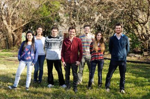 (De izq. a der.) Laura Rincón, Paula Valchi , Luciano Cavallino, Maíias Pandolfi, Leonel Morandini, Agustina Birba, Martin Ramallo.