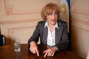"""""""No quedan dudas de que la educación universitaria de grado en la Argentina es gratuita"""", afirma con contundencia Puiggrós."""