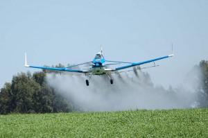 """El segundo gran modelo global es el que se conoce como """"la revolución verde"""", y se sostiene con una fuerte carga de agroquímicos, fertilizantes, riego intensivo y maquinaria."""