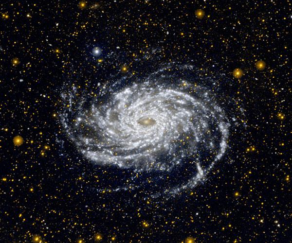 Si las galaxias no albergaran una gran cantidad de materia oscura, como una argamaa invisible, no serían estables y se desmembrarían.