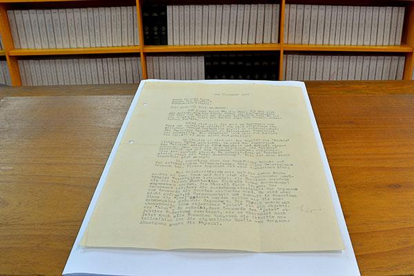 La existencia de la carta se debe a la inquietud intelectual de Juan Dalma, a la voluntad de Einstein y, quizás principalmente, a un error en la interpretación de la obra de Leonardo Da Vinci.