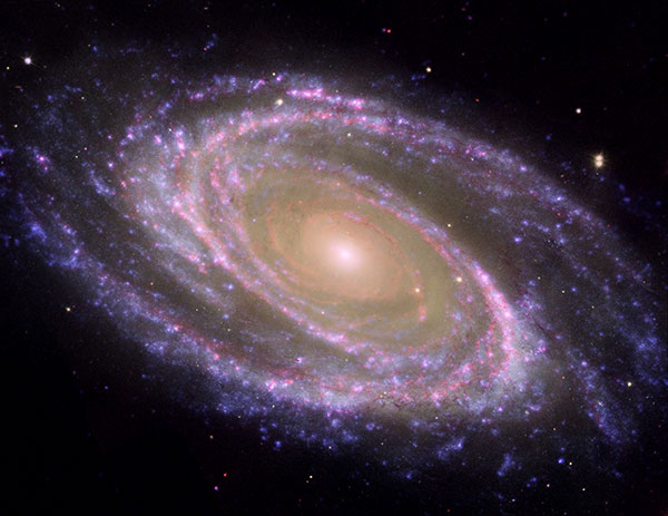 Galaxia M81. fOTO: NASA/JPL-Caltech/ESA/Harvard-Smithsonian CfA