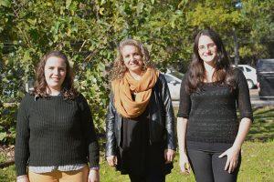 Gisela Sarrible, Evelin Elia y María Victoria Bazzano. Foto: Exactas-Comunicación.