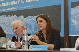 Camilloni señaló que la publicación se da en un contexto de amplio consenso acerca de la responsabilidad humana sobre el cambio climático debido, centralmente, a la quema de combustibles fósiles. Foto: Exactas Comunicación.