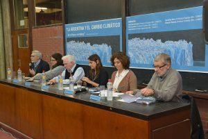(De izq. a der.) Juan Carlos Reboreda, Carolina Vera, Vicente Barros, Inés Camilloni, Gabriela Merlinsky y José Paruelo. Foto: Exactas Comunicación.