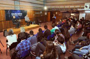 La charla tuvo lugar en el Pabellón II de Ciudad Universitaria. Foto: Juan Pablo Vittori. Exactas Comunicación.