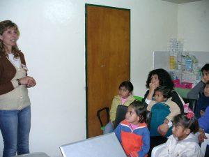 La UNCo realiza talleres educativos para ayudar a la población rural a prevenir conductas de riesgo.
