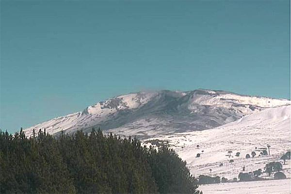 Imagen del volcán Copahue del día lunes 18 de septiembre de 2017. Gentileza del Servicio Nacional de Geología y Minería de Chile.