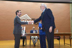"""Ribas recibió el título de """"Doctor honoris causa"""" de la Universidad de Buenos Aires. Foto: Exactas-Comunicación."""