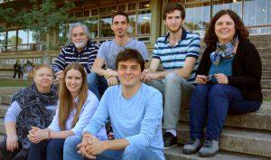 Carolina Vera (arriba a la derecha) acompañada por los investigadores del grupo DIVAR (Dinámica de la Variabilidad atmosférica sobre Sudamérica). Foto: Gentileza Carolina Vera.