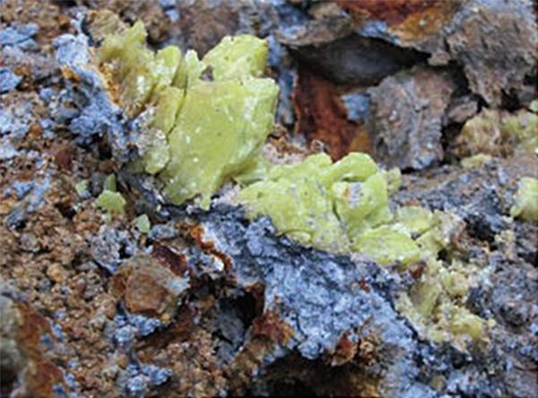 En la cordillera de Catamarca, de San Juan, en el macizo patagónico de Chubut son algunos de los sitios donde han sido hallados arcillas con propiedades antibacterianas.