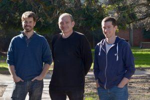 Alan Bush, Gabriel Mindlin y Marcos Trevisan.