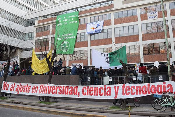 A lo largo de todo el 2018, estudiantes, becarios, tecnólogos, científicos llevaron a cabo una amplia variedad de medidas de protesta para visibilizar la crisis que atraviesa el sector.