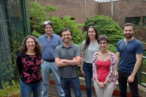 (De izq. a der.) Laura Morales, Daniel Gómez, César Bertucci, Sofía Burne, Gabriela Boscoboinik y Camilo Andino.
