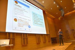 En el marco de la StatPhys, Arenas brindó una charla de divulgación en el Centro Cultural de la Ciencia. Foto: Exactas Comunicación.