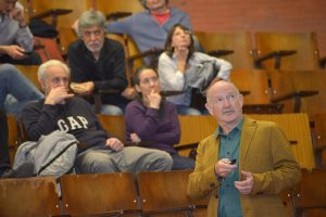 Yuste brindó una charla en la Facultad de Ciencias Exactas y Naturales de la UBA.