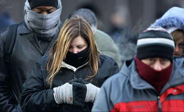 En general, los virus respiratorios suelen ser más estables cuando las temperaturas son bajas, aunque del coronavirus, responsable de la actual pandemia, todavía se sabe poco acerca de cómo lo afectan los factores climáticos.